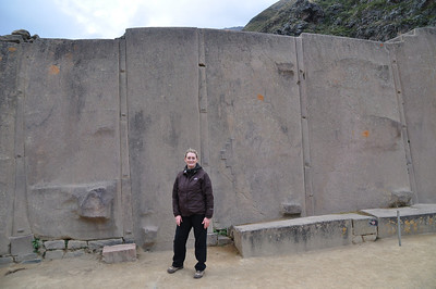 Wall of 6 Monoliths