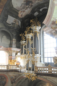 pipe organ in St. Nicholas Cathedral